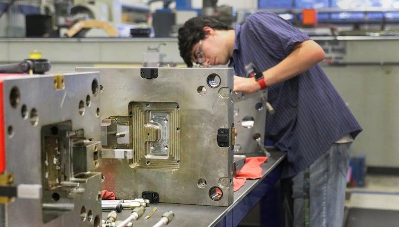 alignment-between-injection-molders-toolmakers