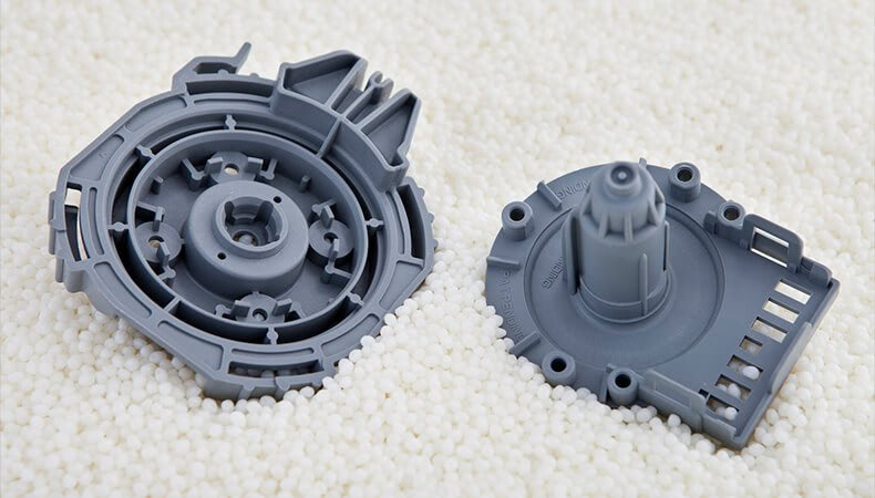 injection molding plastic parts consolidation