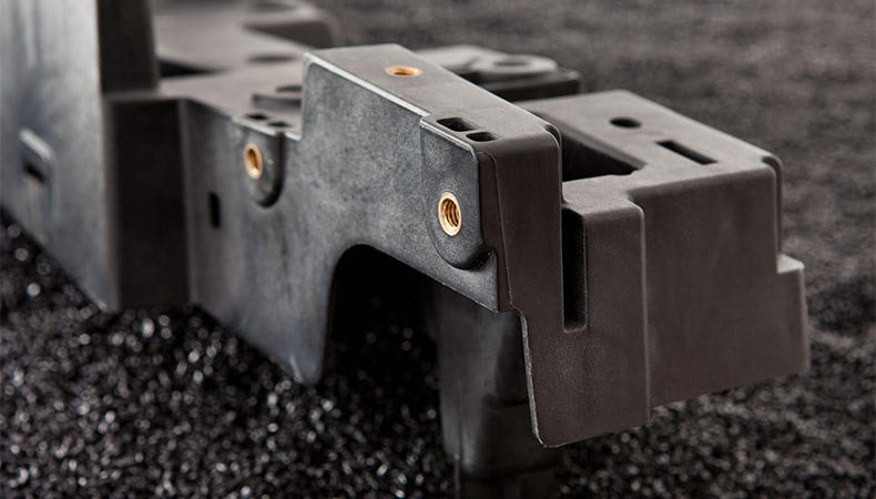 overmolding-vs-insert-molding